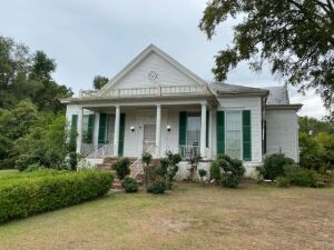 Spacious Historic Home in Grenada, MS