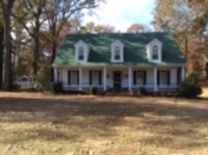 Spacious Home on 2 Acres South of Germantown, TN