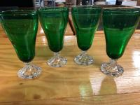4 Emerald Green/Clear Drinking Glasses - very pretty!