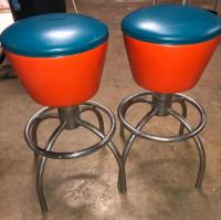 2 very cool spinning retro stools in really really good condition!!