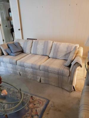 Beautiful vintage sofa and matching loveseat, plus pillows