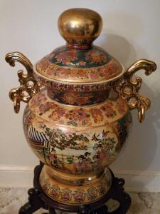 Breathtaking, large, Satuma lidded urn/ginger jar on a stand