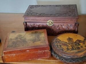 A grouping of 3 vintage jewelry/trinket boxes