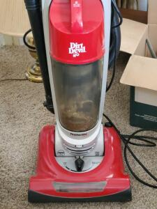 A dirt devil featherlite ultra vacuum