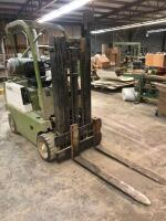 Clark 4000lb Capctiy 3 Stage Forklift with Tank