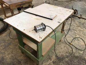 Porter Cable Model 1002 120v Router and Table