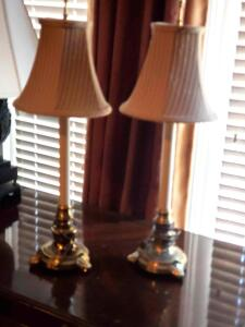"A pair of 38"" table lamps"