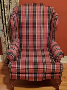 A Sam Moore furn queen Anne styled wing back chair, looks new!