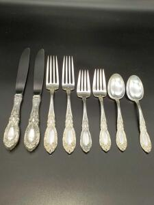 Towle King Richard Sterling flatware weighing 548 grams.