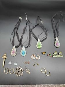 Grouping of costume jewelry.
