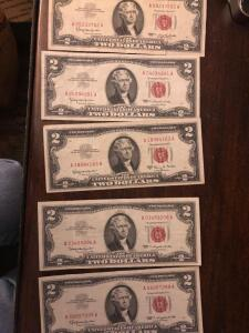 "5 1963 $2 U S notes ""Red Seal"" all very little wear"