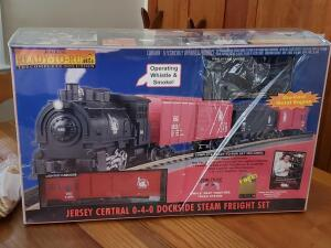 Unopened, railking ready to run train set, jersey central 0-4-0