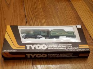 Unopened Tyco locomotive 1435 southern