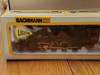 New in box, bachmann a.t. & s.f. locomotive