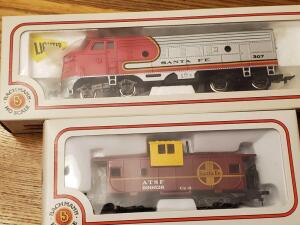 New in box, bachmann locomotive 307 and caboose