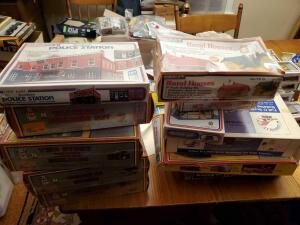 A grouping of model train assories, various makers, see pics for specifics