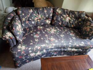 A henredon tufted love seat
