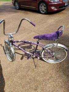 Purple Bratz bicycle-includes helmet.