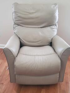 "Laz-e-boy leather recliner, seat is 20"" tall, back is 42"", upright it's 28"" front to back"