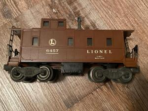Lionel train caboose metal and plastic