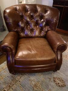 Haverty large leather club chair