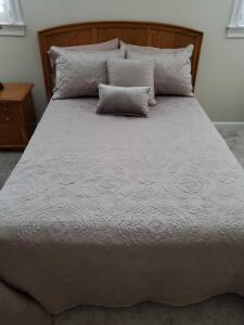 Thomasville full size bed with mattress