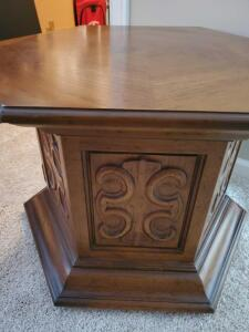 Drexel heritage hexagonal end table, with storage