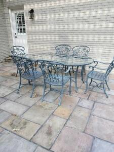 Ethan allen verdi green cast aluminium patio set. Table and 6 chairs.