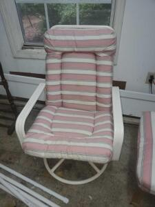 "An upscale tropitone swivel patio chair with cushion, seat is 18"" tall, back is 36"", 24"" across, 28"" front to back"