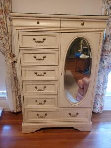 A vintage Lexington furniture cabinet w/mirror and protective glass top