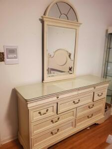 A vintage Lexington furniture dresser w/mirror and a protective glass top,