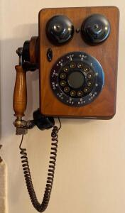 Replica vintage phone, works well