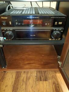 pioneer receiver vsx 84txsi with remote and manual. Cabinet not included.