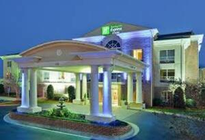Vicksburg, Courtyard by Marriott or Holiday Inn Express or Comort Suites