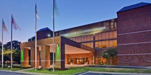 University of Memphis Holiday Inn One nights stay with breakfast for 2
