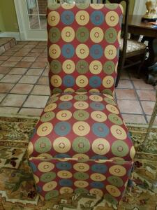 "Parsons chair with circle design. 21x22x38"" tall. Seat height 18""."