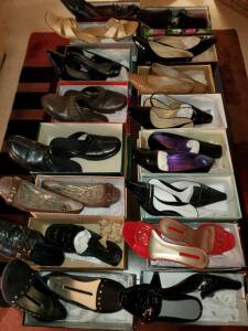16 pair of Ladies quality shoes in size 8 1/2 - 9.