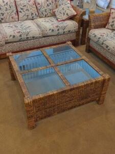 Square wicker rattan and glass coffee table