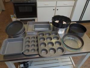 Collection of bakeware