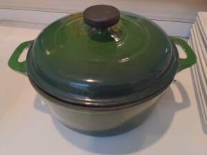 Tramontina 3.5 quart enameled cast iron Dutch oven with lid