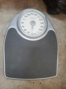 "A ""thinner"" bathroom scale"