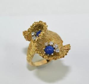 Lady's 18 Karat Gold Diamond and Lapis Ring