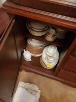Fantastic Bassett lighted china cabinet, contents are not included - 9