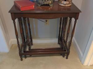Antique solid wood three-piece nesting table