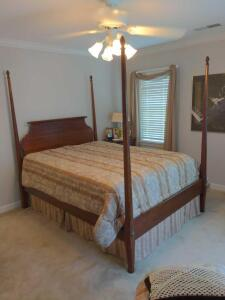 Queen size four post bed - Ducks Unlimited Collection by Kincaid