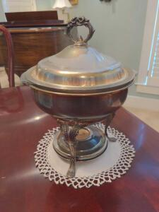 Vintage silver plated 2 qt chaffing dish with burner
