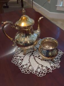 Vintage 11-in silver plated teapot with tea dish