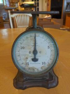 Vintage scale - Great decor piece