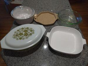 Creeping of bakeware including vintage corningware
