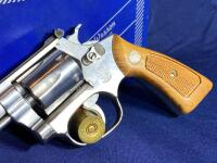 Model 63 Smith & Wesson 6 Shot .22 LR Revolver with original box - 2